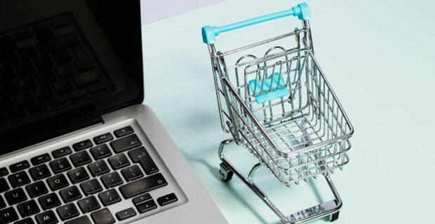 Nuo sausio atsiskaitant mokėjimo kortelėmis internetu – nauji reikalavimai